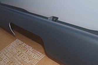 Бампер задний (центральный под барашек и фаркоп) на Renault Trafic  2001-> - Renault (Оригинал) - 8200201431