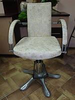 Кресло парикмахерское D-0011 — белое