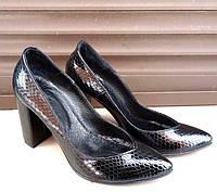 Туфли женские на каблуке из кожи и замши разных цветов 0388УКМ