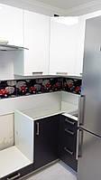 Кухня з акриловими фасадами