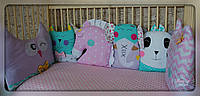 Бортики,захист в ліжечко+постільна білизна+іграшки на мобіль