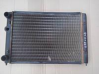 Радиатор охлаждения основной 52*32 Гольф 3 Венто Вариант