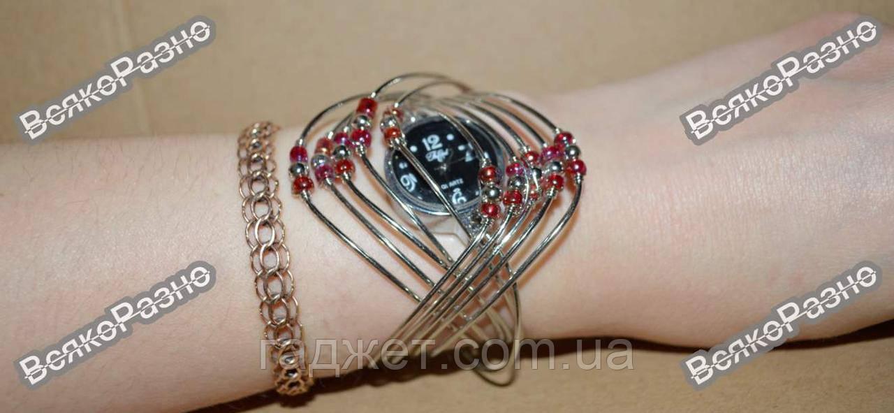 Женские наручные часы браслет.