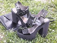 Босоножки женские на каблуке кожаные черные 0029КОМ