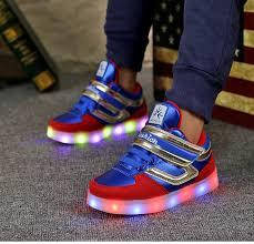 Подростковые кроссовки