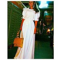 Однотонное длинное платье в пол с пышными короткими рукавами
