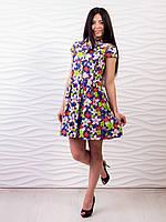 Стильное короткое платье с цветочным принтом