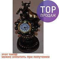 Телец, знак зодиака в виде статуэтки с часами / Интерьерные настольные часы