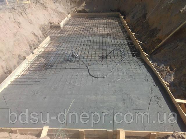 Бетонирование плиты фундамента (объёмное армирование, установка опалубки).