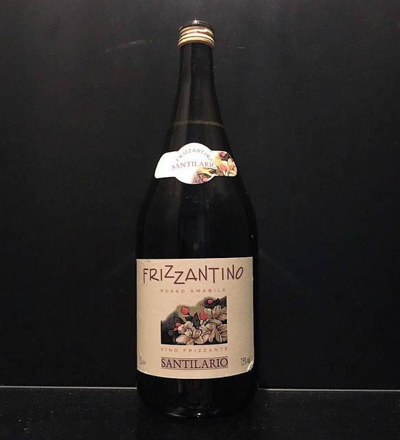 Игристое красное вино Frizzantino santilario rosso amabile 1.5L