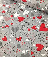 Хлопковая ткань польская сердца красно-белые на сером