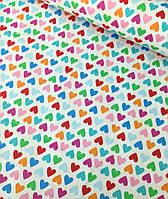 Хлопковая ткань польская сердца розовые, голубые, оранжевые, зеленые на белом