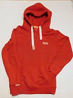 Свитер красный с капюшоном