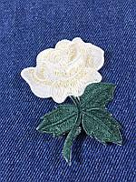 Нашивка Роза s цвет белый