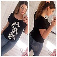 """Женская футболка с надписью на груди """"Paris"""""""