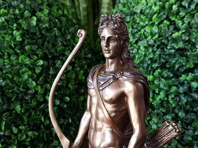 Статуэтки Veronese с бронзовым покрытием