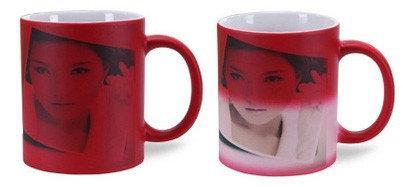 Чашка с Вашим дизайном керамическая глянцевая со сменой цвета ( Хамелеон) Темно-красный