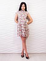 Модное женское платье с цветочным принтом