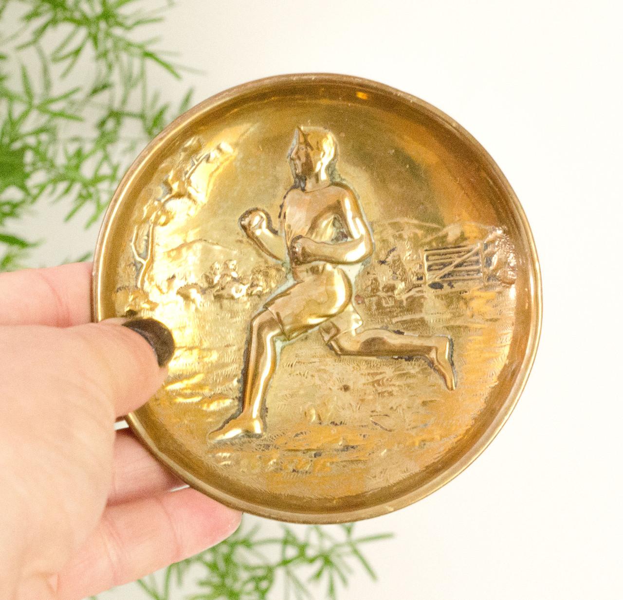 Сюжетная тарелка, тарелочка, бронза, Англия, спортсмен