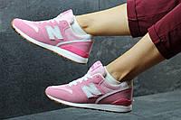 Женские New Balance  розовые