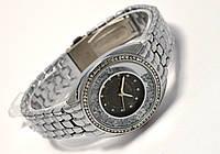 Часы женские Geneva - в кристаллах циферблат, цвет корпуса серебро