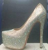 Туфли Лабутен Louboutin золото украшены стразами