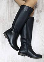 Зимние кожаные сапоги черного цвета на молнии на низком ходу