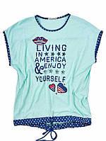 Женская футболка с надписью и шнурком