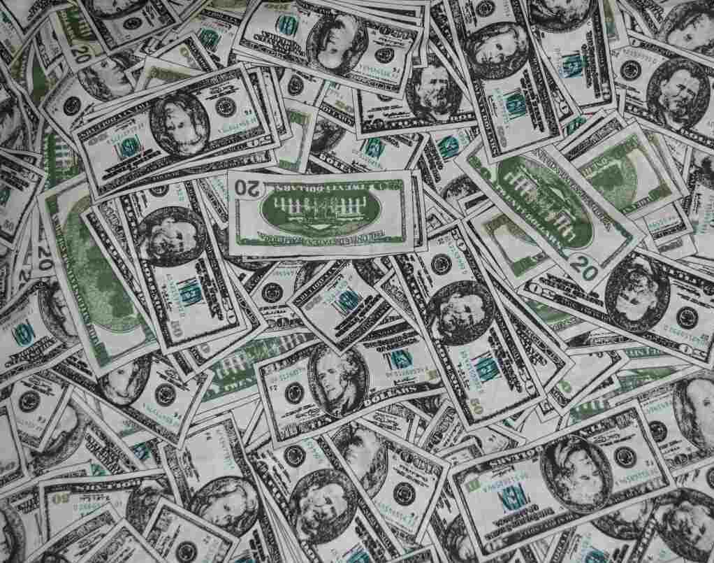 Комплект постельного белья доллары, полуторное