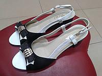 Кожаные классические босоножки Dixi  5028 чёрно-белые.