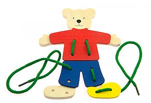 Goki Шнуровка Медведь с одеждой 58929