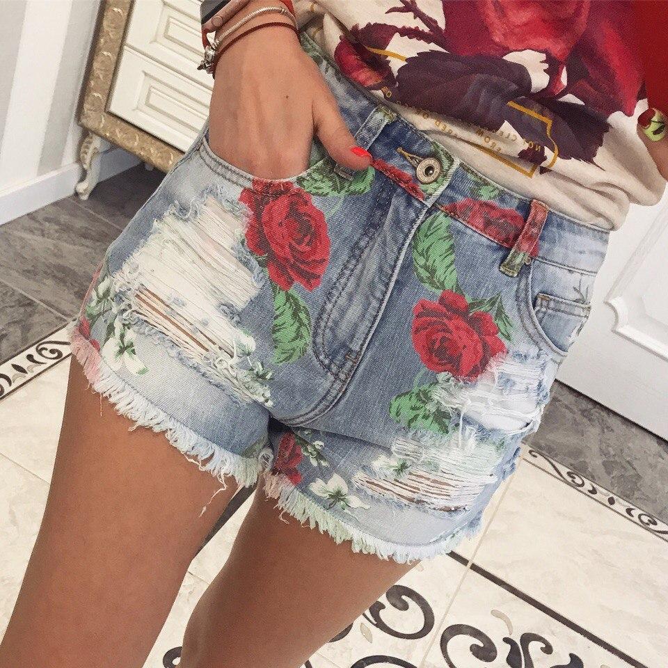 Шорты джинсовые короткие с цветочным принтом