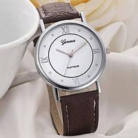 Часы женские наручные кварцевые  с коричневым кожаным браслетом