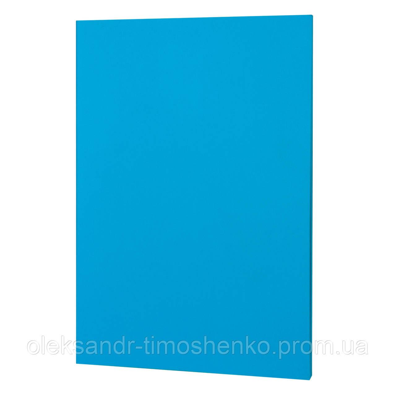 Блакитного цвета