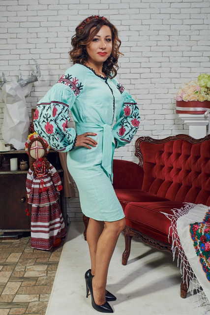 Модні плаття з вишивкою f9c62177d83b9
