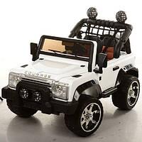 Двухместный детский электромобиль Джип M 3157 EBLR-1 белый, мягкие колеса и кожаное сиденье