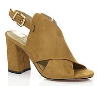 Женские модные босоножки на каблуке