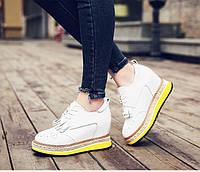 Кожаные туфли сникерсы на яркой подошве