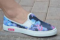 Слипоны, мокасины летние женские сетка черные с голубыми цветочками комфортные