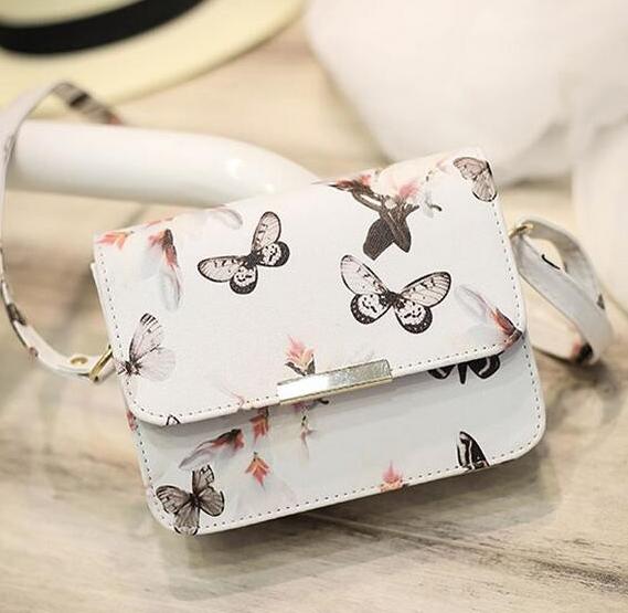 Женская сумочка с бабочками