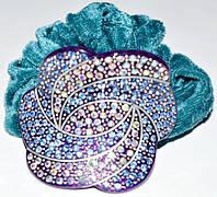 Резинка для волос, зеленый велюр, синий пластик, стразы синие и хамелеон 11_15_92а3