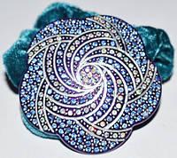 Резинка для волос, зеленый велюр, синий пластик, стразы синие и хамелеон 11_15_96а4