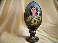 Сувенир Яйцо деревянное среднее Украиночка с подсолнухами
