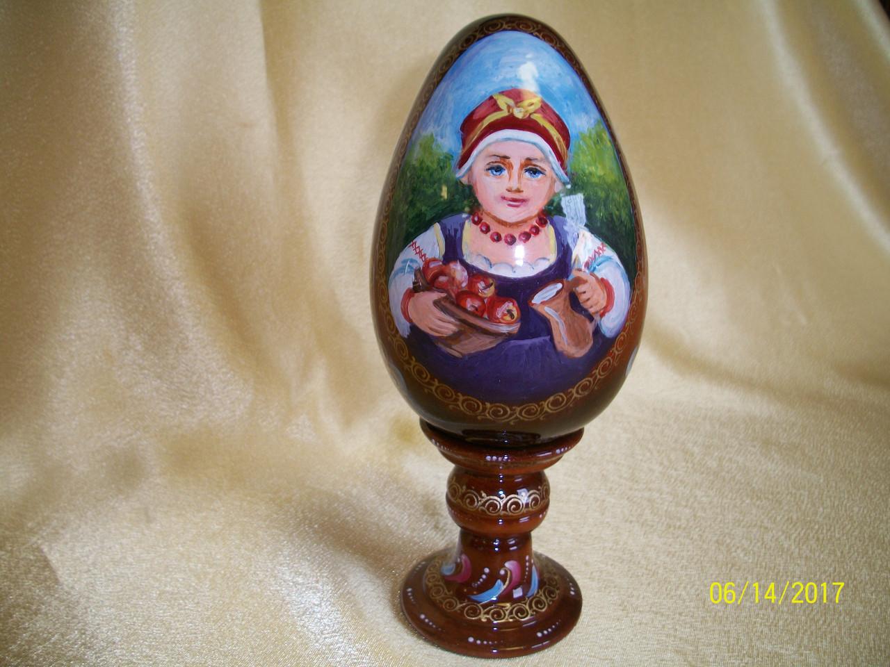 Сувенир Яйцо  деревянное среднее на подставке