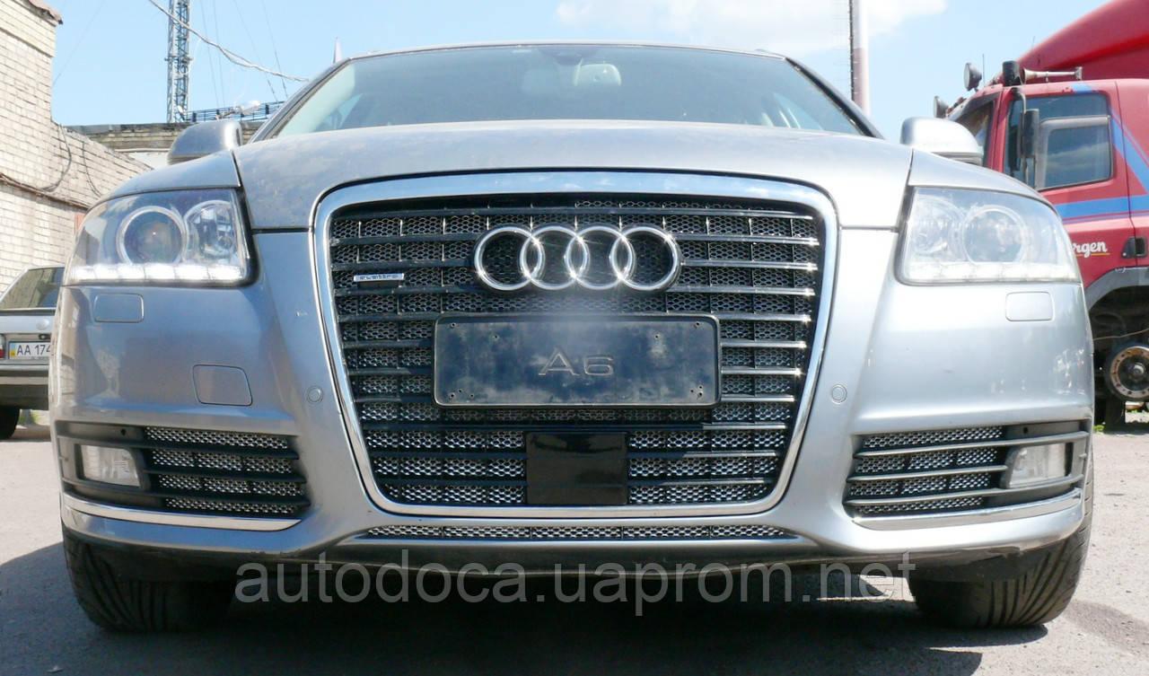 Декоративно-захисна сітка радіатора Audi (Ауді) A6 фальшрадіаторная решітка, бампер