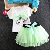 Футболка и юбка для девочки.