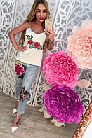 Женские красивые джинсы с розой