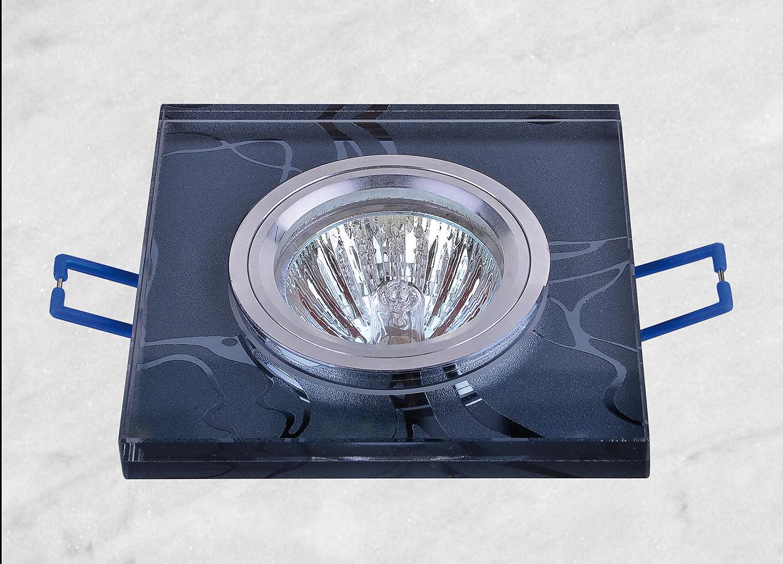Точечный врезной светильник (05-338)