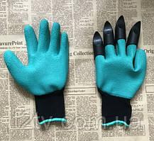 Садовые перчатки с пластиковыми наконечниками в картонной упаковке