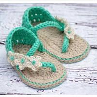 Купить вязаные летние пинетки-босожки для новорожденных девочек